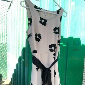 Lauren Conrad floral dress size 6